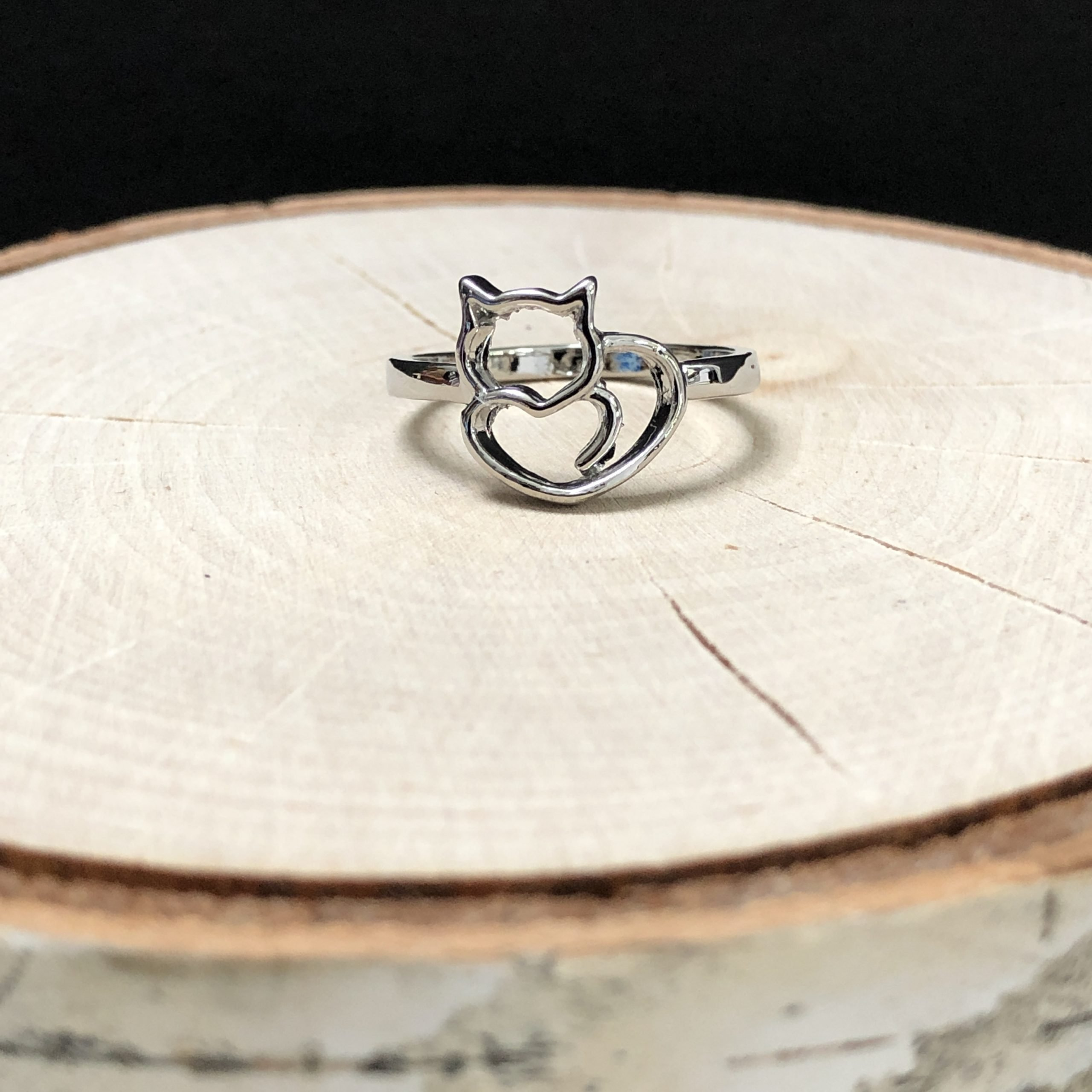 Cuddle Heart Cat Ring