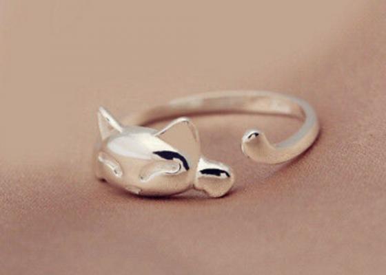 Little Resting Kitten Ring